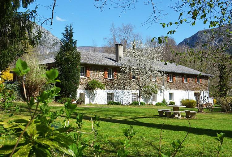 Forges d'enfalits - chambres d'hôtes en Ariège - parc - bandeau 1920p n°11
